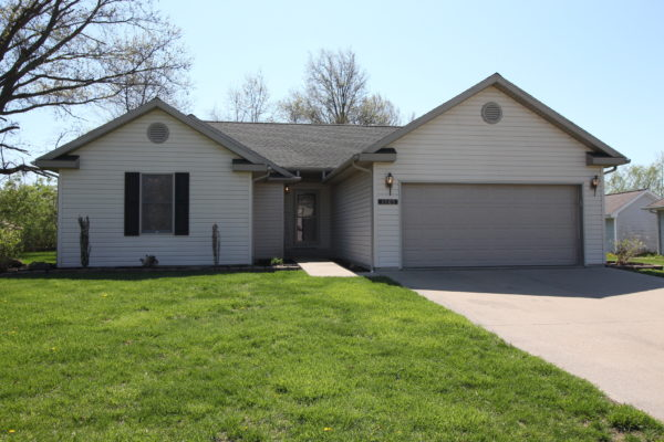 1505 Taylor Lakeside Dr. Olney, IL